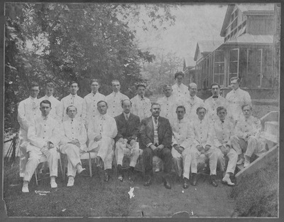 Resident physicians 1909