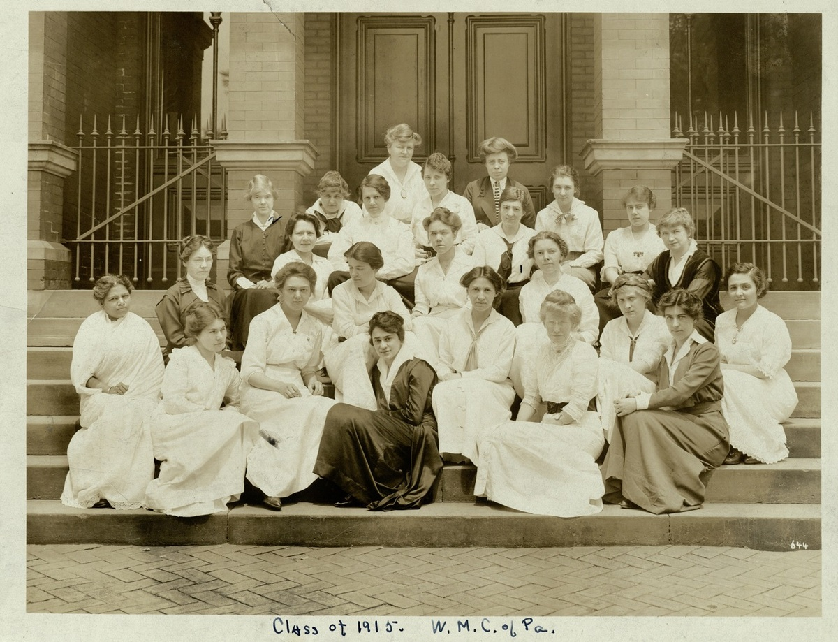 Graduates of the Woman's Medical College, 1915